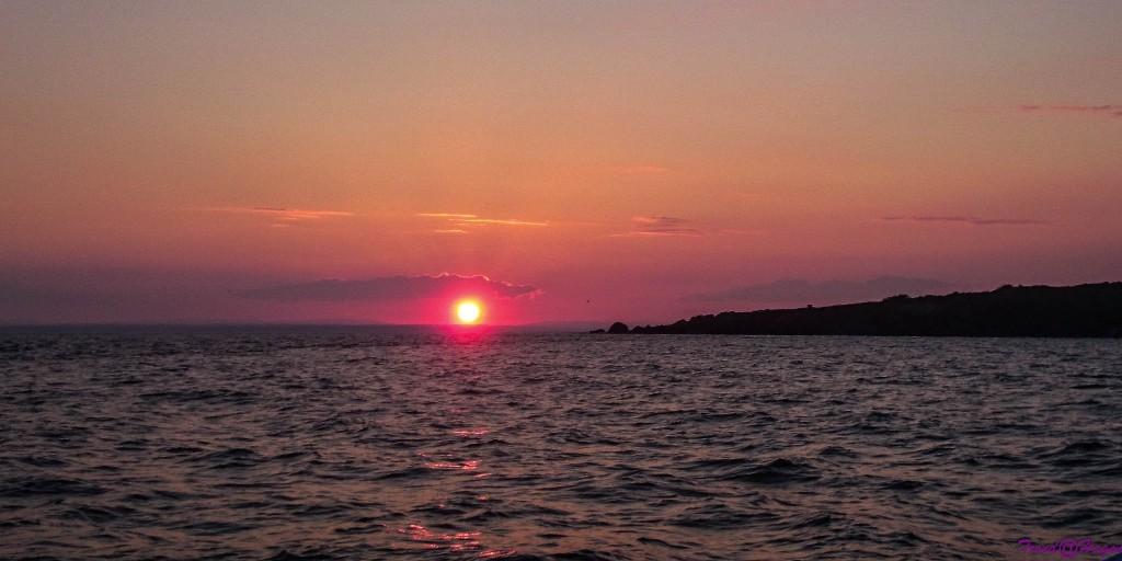 Solnedgang på sjøen (mobilkamera)